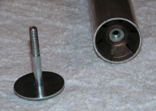 Threaded tube insert and mounting bolt